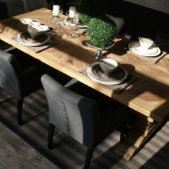Tische und Schreibtische